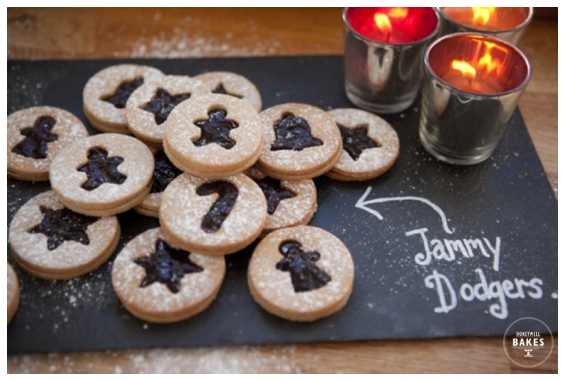Spiced jammy dodgers